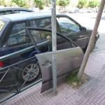 Někdo parkuje dveře - Atény